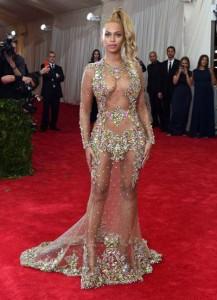 Beyonce espectacular en la gala del Costume Institute 2015