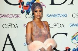 Rihanna transparencias